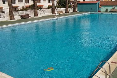 12052017153756_g_piscina.jpg